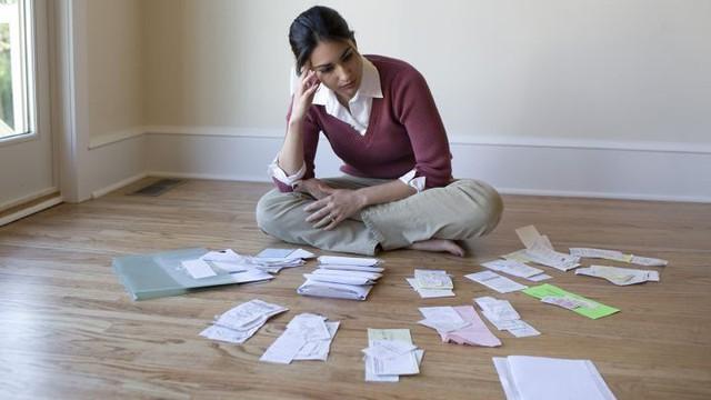 Sai lầm tiền bạc tuổi 30 khiến cả thanh xuân sống tồi tệ - Ảnh 1.