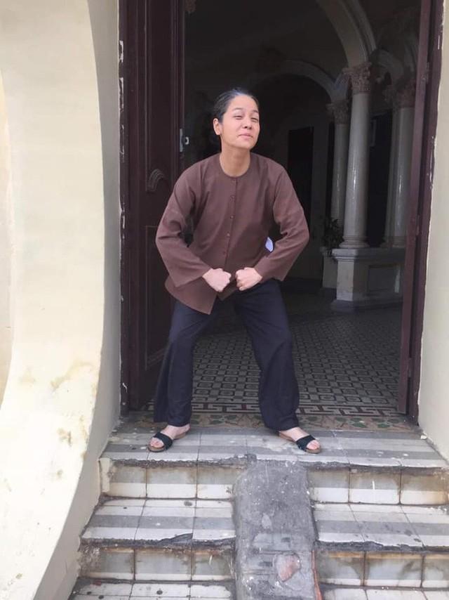 Tiếng sét trong mưa: Thị Bình - Nhật Kim Anh nhí nhố khiến không ai nhận ra đây là nữ hoàng nước mắt  - Ảnh 4.