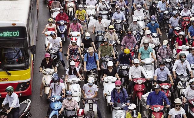 Đề xuất đăng kiểm xe máy, Hà Nội có giảm được ô nhiễm không khí? - Ảnh 1.