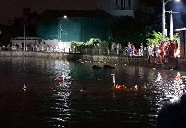 Hà Nội: Thương xót 2 bé gái bị đuối nước tử vong khi đạp vịt ở hồ nước - Ảnh 1.