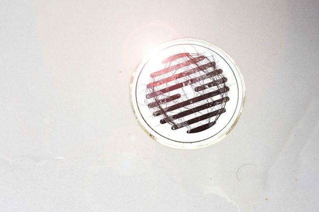9 việc bị coi là kém thông minh khi sử dụng nhà vệ sinh khiến hóa đơn tiền nước tăng vọt mà các thợ sửa ống nước khuyến cáo - Ảnh 5.