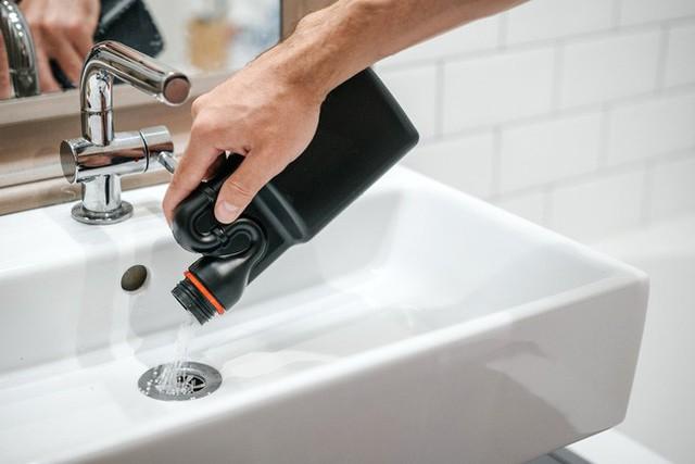 9 việc bị coi là kém thông minh khi sử dụng nhà vệ sinh khiến hóa đơn tiền nước tăng vọt mà các thợ sửa ống nước khuyến cáo - Ảnh 6.
