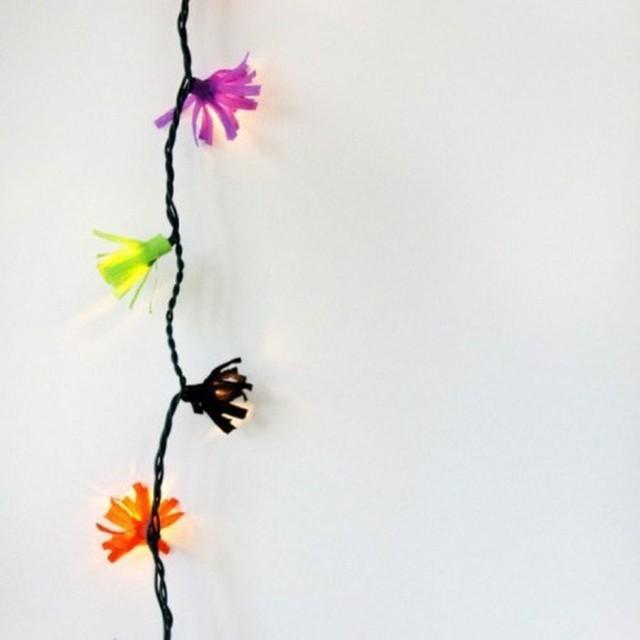 10 ý tưởng biến sợi đèn dây cũ kĩ trở nên rực rỡ, cực đơn giản nhưng khiến không gian lung linh ngoài mong đợi - Ảnh 8.