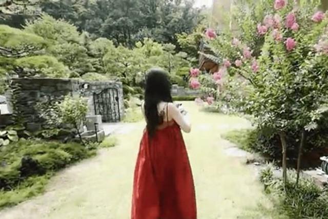 Căn nhà vườn tinh tế, nơi nữ ca sĩ xinh đẹp vừa tự tử sống những ngày cuối cùng - Ảnh 3.
