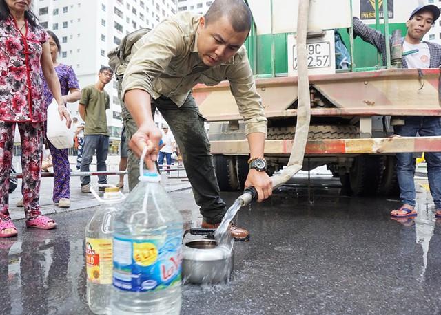 Nước cấp miễn phí cho cư dân HH Linh Đàm bị phản ánh có mùi hôi tanh  - Ảnh 3.