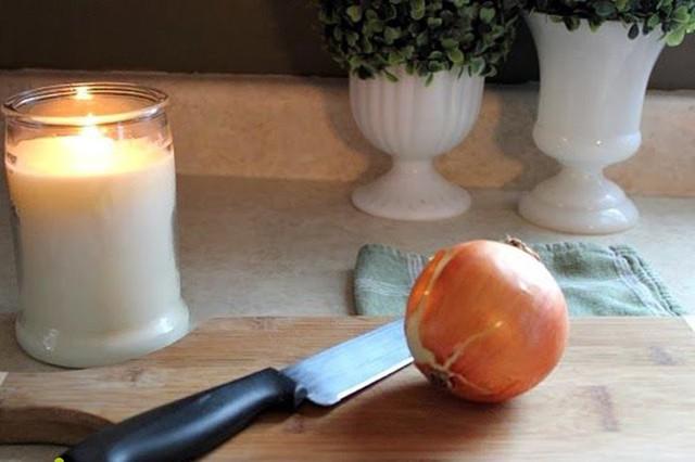 Thái hành không cay mắt chỉ với 1 lát khoai tây - Ảnh 4.