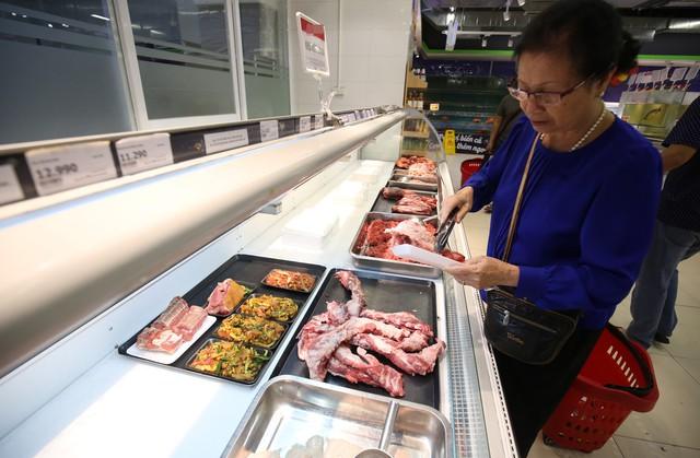 Thịt lợn tăng giá, người tiêu dùng lo lắng - Ảnh 2.