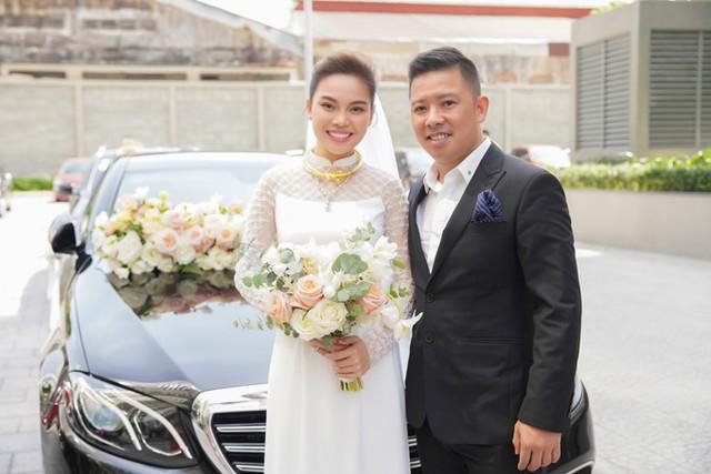 Không gian sang trọng trong lễ vu quy, tân hôn của Giang Hồng Ngọc - Ảnh 1.