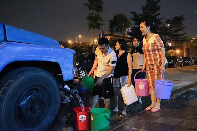 Một tuần vật lộn với khủng hoảng nước của người Hà Nội  - Ảnh 2.