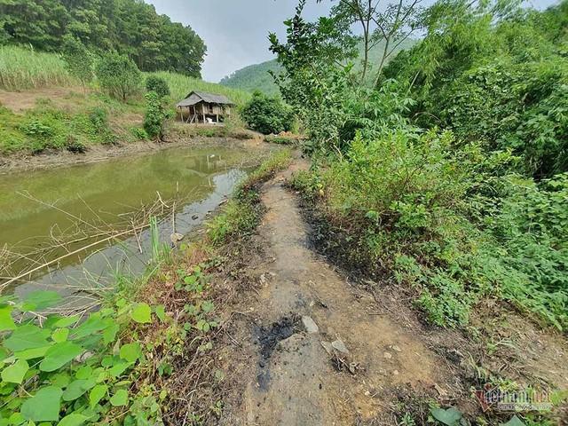 Mùi khủng khiếp ở đồi Mông, nơi xả thải xuống nhà máy nước sông Đà - Ảnh 15.