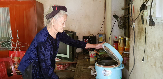 Cụ bà 83 tuổi ở Thanh Hóa sẽ được đưa ra khỏi danh sách hộ nghèo theo nguyện vọng - Ảnh 2.