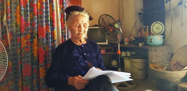 Cụ bà 83 tuổi ở Thanh Hóa sẽ được đưa ra khỏi danh sách hộ nghèo theo nguyện vọng - Ảnh 1.