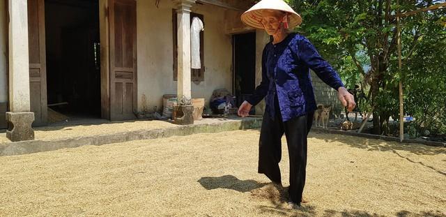 Cụ bà 83 tuổi ở Thanh Hóa sẽ được đưa ra khỏi danh sách hộ nghèo theo nguyện vọng - Ảnh 3.