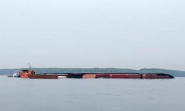 150 tấn dầu chìm cùng tàu container ở Cần Giờ  - Ảnh 3.