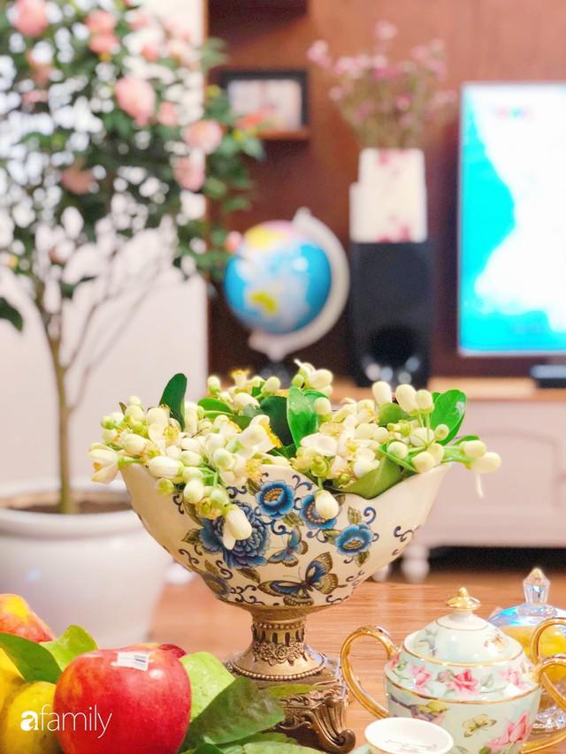 Ngày 20/10 ghé thăm không gian sống quanh năm thơm ngát hương hoa của người phụ nữ Hà Thành - Ảnh 13.