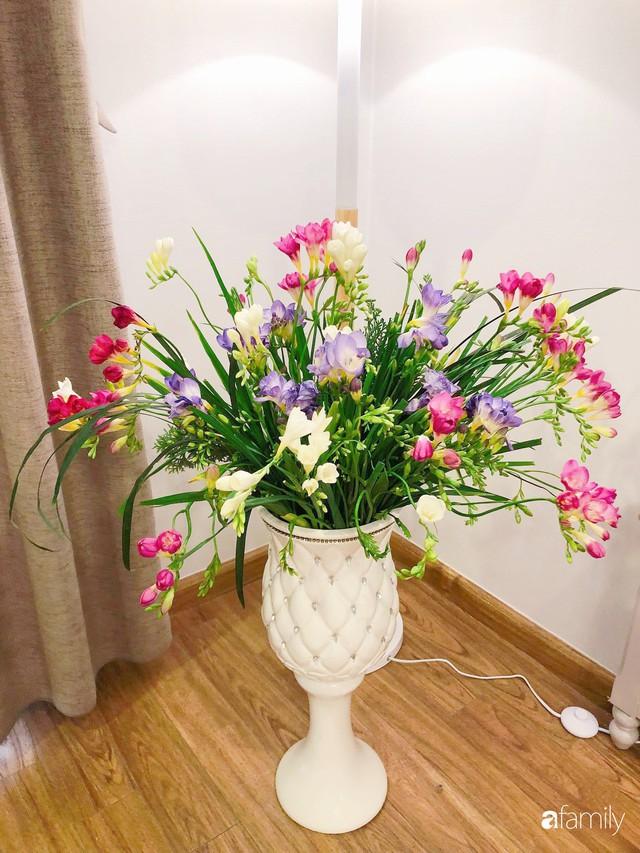Ngày 20/10 ghé thăm không gian sống quanh năm thơm ngát hương hoa của người phụ nữ Hà Thành - Ảnh 19.