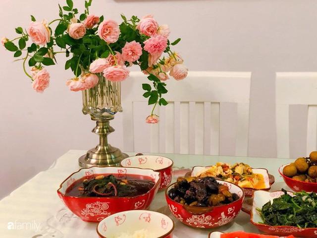Ngày 20/10 ghé thăm không gian sống quanh năm thơm ngát hương hoa của người phụ nữ Hà Thành - Ảnh 23.