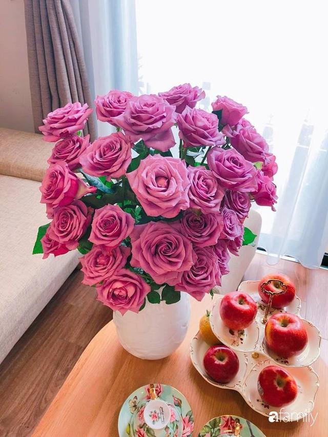 Ngày 20/10 ghé thăm không gian sống quanh năm thơm ngát hương hoa của người phụ nữ Hà Thành - Ảnh 31.
