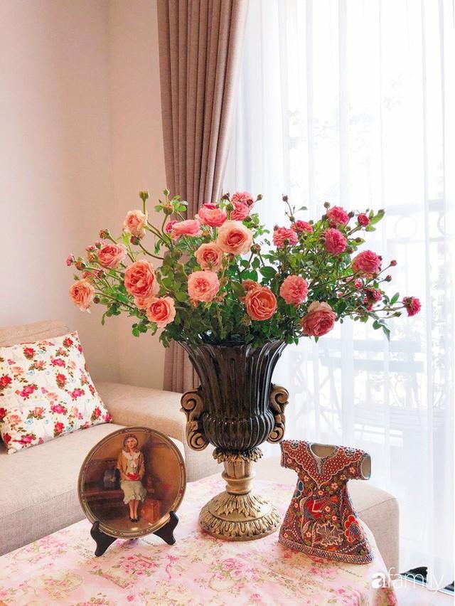Ngày 20/10 ghé thăm không gian sống quanh năm thơm ngát hương hoa của người phụ nữ Hà Thành - Ảnh 5.
