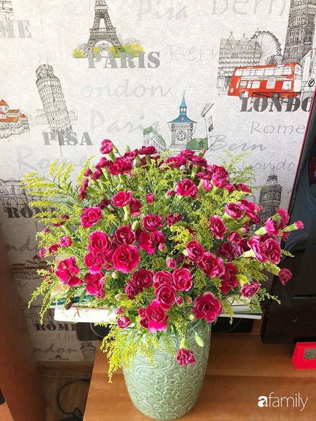 Ngày 20/10 ghé thăm không gian sống quanh năm thơm ngát hương hoa của người phụ nữ Hà Thành - Ảnh 45.