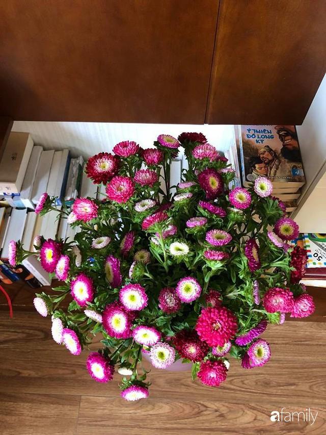 Ngày 20/10 ghé thăm không gian sống quanh năm thơm ngát hương hoa của người phụ nữ Hà Thành - Ảnh 46.