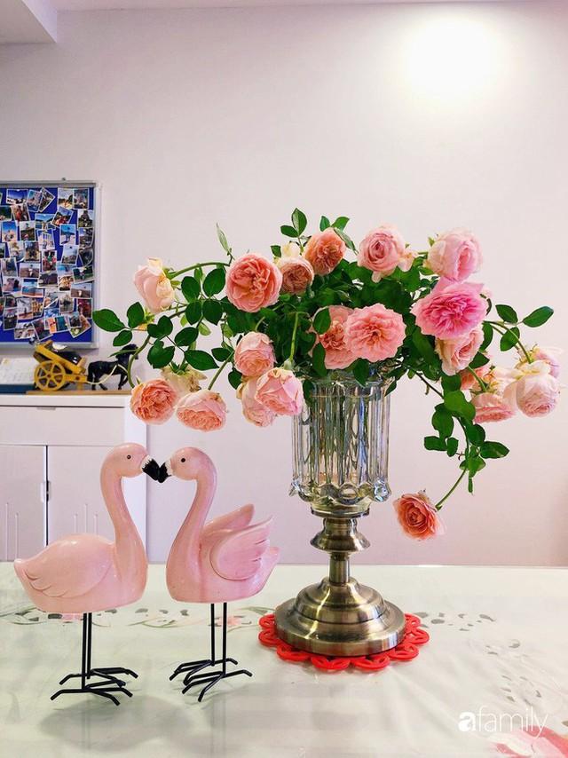 Ngày 20/10 ghé thăm không gian sống quanh năm thơm ngát hương hoa của người phụ nữ Hà Thành - Ảnh 7.