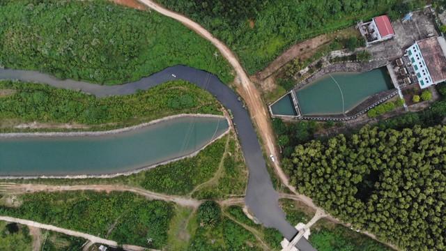 """Sau vụ nước sông Đà nhiễm dầu thải: Nhiều """"lỗ hổng"""" trong khâu quản lý nguồn nước sinh hoạt - Ảnh 2."""