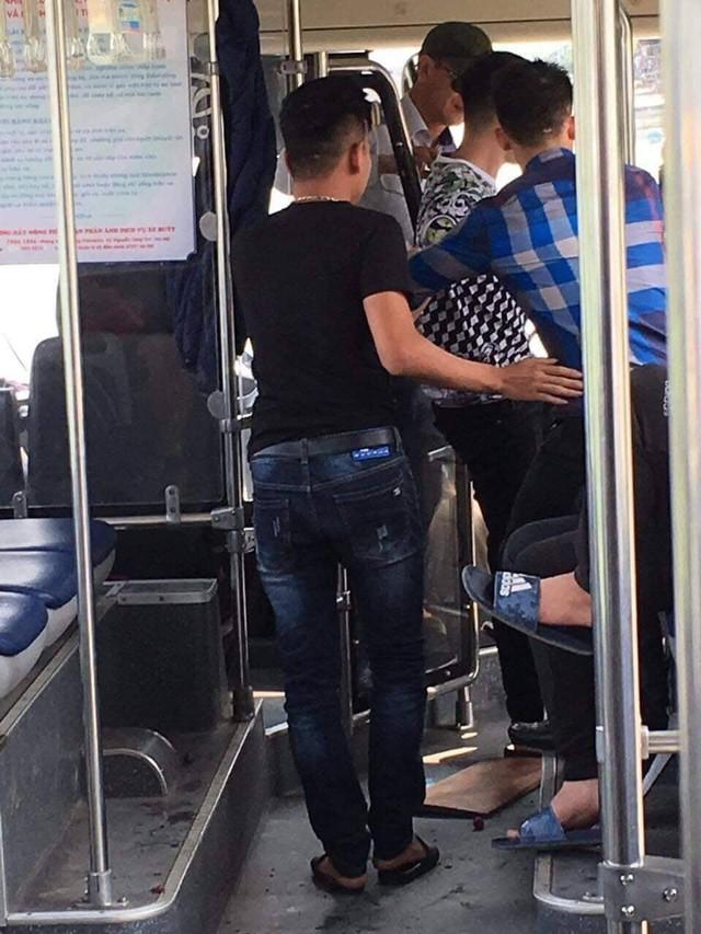 Đã xác định được danh tính nhóm thanh niên xăm trổ hành hung nữ nhân viên xe buýt - Ảnh 3.