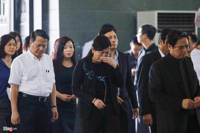 Dòng người tiễn biệt Thứ trưởng GD&ĐT Lê Hải An - Ảnh 12.