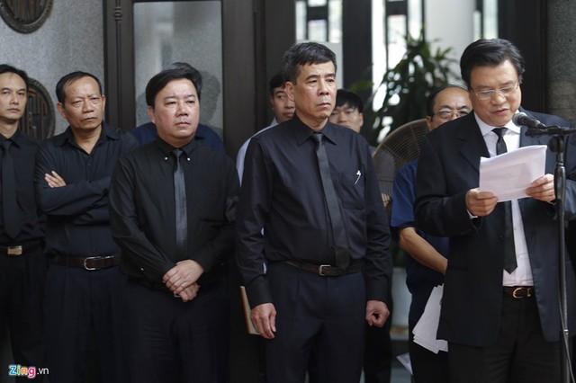 Dòng người tiễn biệt Thứ trưởng GD&ĐT Lê Hải An - Ảnh 5.