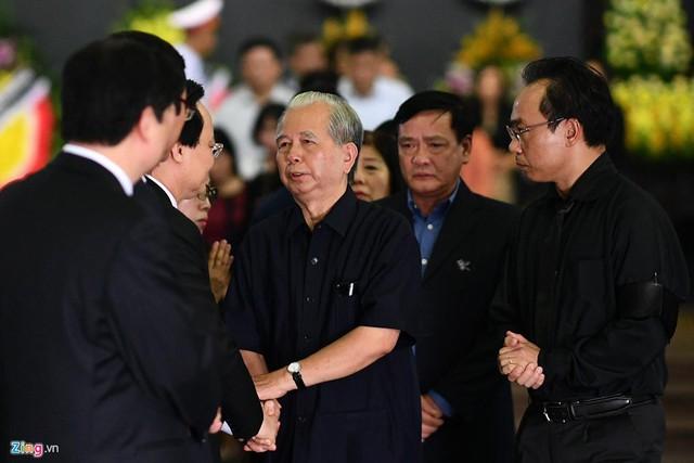 Dòng người tiễn biệt Thứ trưởng GD&ĐT Lê Hải An - Ảnh 10.