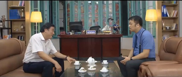 Những nhân viên gương mẫu tập 43: Bị từ chối tình cảm, Nguyệt hỏi thẳng Phong có phải thích Chi - Ảnh 4.