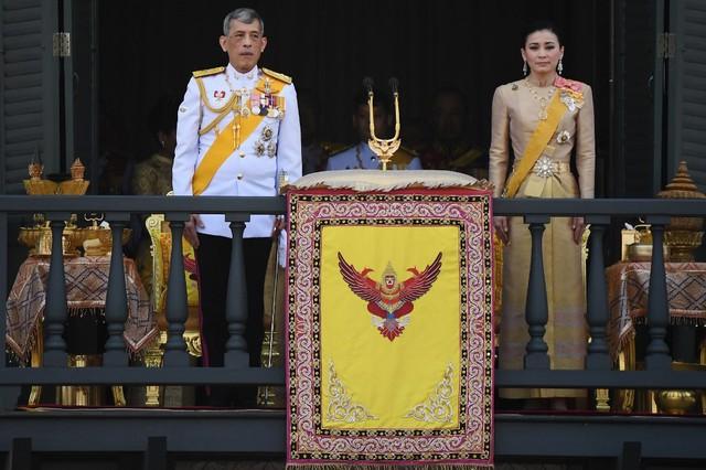 Cuộc cạnh tranh giữa hoàng hậu và hoàng quý phi bên cạnh nhà vua Thái - Ảnh 13.