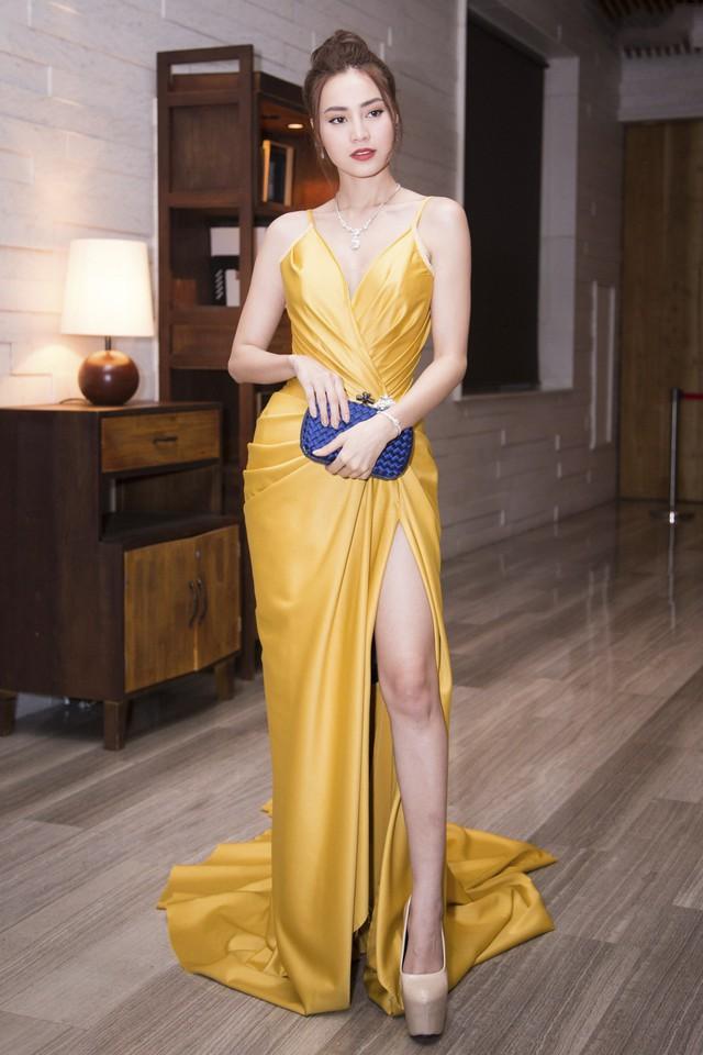 Cùng là váy lụa nhưng chỉ cần Midu khéo chọn thì sẽ hoàn hảo, tiếc là cô không biết đến 4 tips này sớm hơn - Ảnh 15.