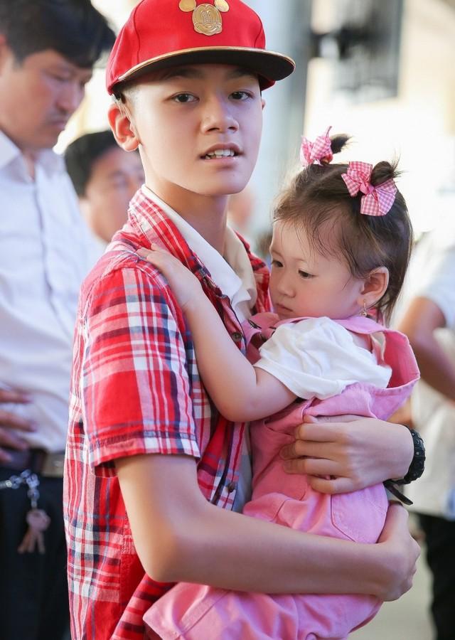 Hành trình Trang Trần 10 năm làm mẹ cậu bé khuyết tật - Ảnh 7.