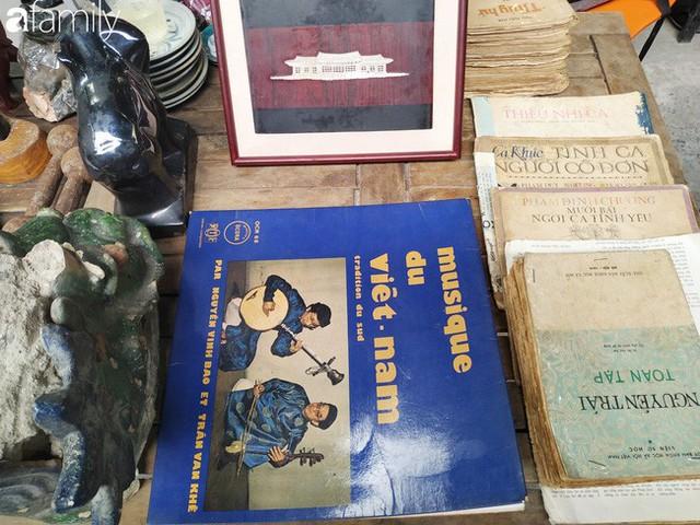 Lạc vào chợ đồ cổ Cao Minh, phiên chợ 1 tuần mở 1 lần - nơi buôn bán hoài niệm và tìm về hồi ức giữa lòng Sài Gòn - Ảnh 20.
