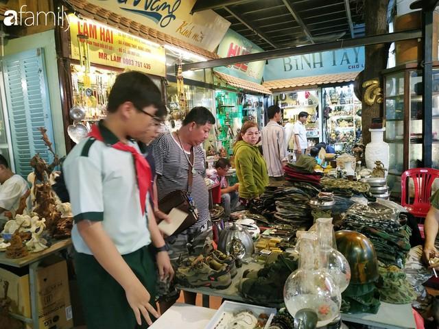 Lạc vào chợ đồ cổ Cao Minh, phiên chợ 1 tuần mở 1 lần - nơi buôn bán hoài niệm và tìm về hồi ức giữa lòng Sài Gòn - Ảnh 28.