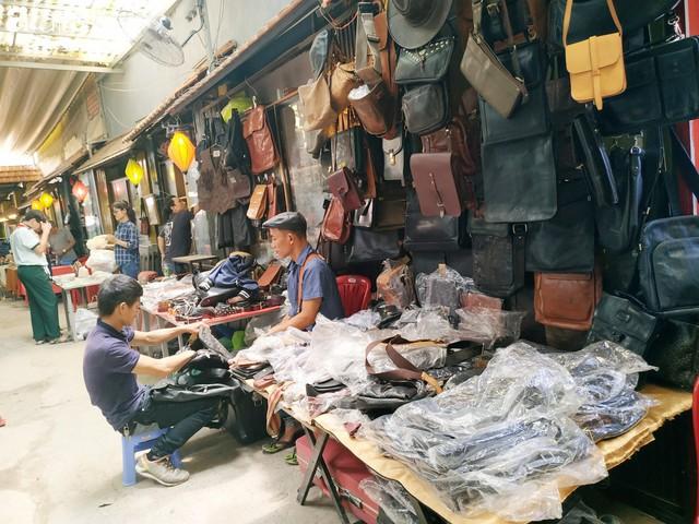 Lạc vào chợ đồ cổ Cao Minh, phiên chợ 1 tuần mở 1 lần - nơi buôn bán hoài niệm và tìm về hồi ức giữa lòng Sài Gòn - Ảnh 30.