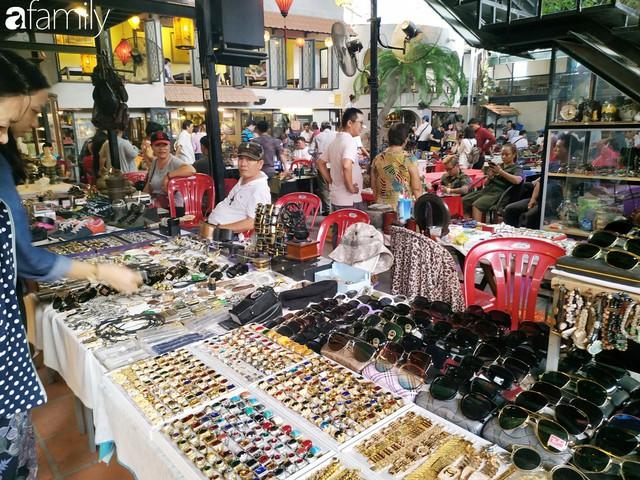 Lạc vào chợ đồ cổ Cao Minh, phiên chợ 1 tuần mở 1 lần - nơi buôn bán hoài niệm và tìm về hồi ức giữa lòng Sài Gòn - Ảnh 31.