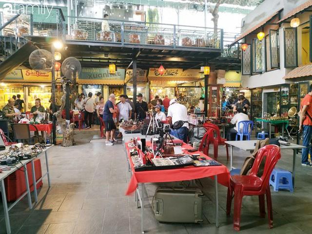 Lạc vào chợ đồ cổ Cao Minh, phiên chợ 1 tuần mở 1 lần - nơi buôn bán hoài niệm và tìm về hồi ức giữa lòng Sài Gòn - Ảnh 32.