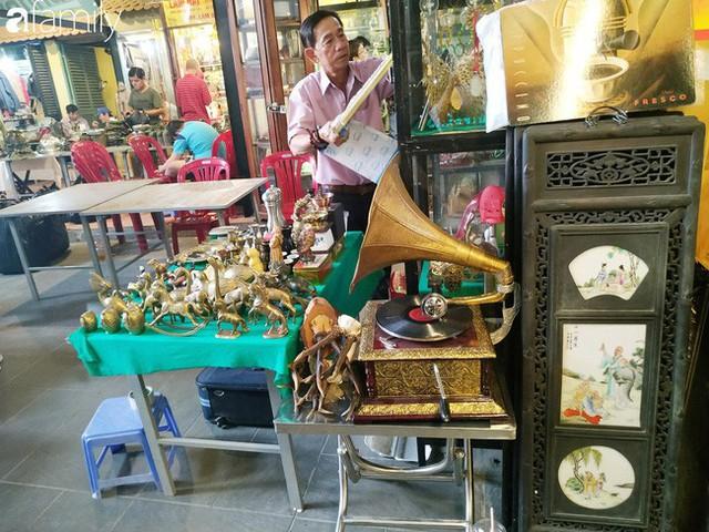 Lạc vào chợ đồ cổ Cao Minh, phiên chợ 1 tuần mở 1 lần - nơi buôn bán hoài niệm và tìm về hồi ức giữa lòng Sài Gòn - Ảnh 34.