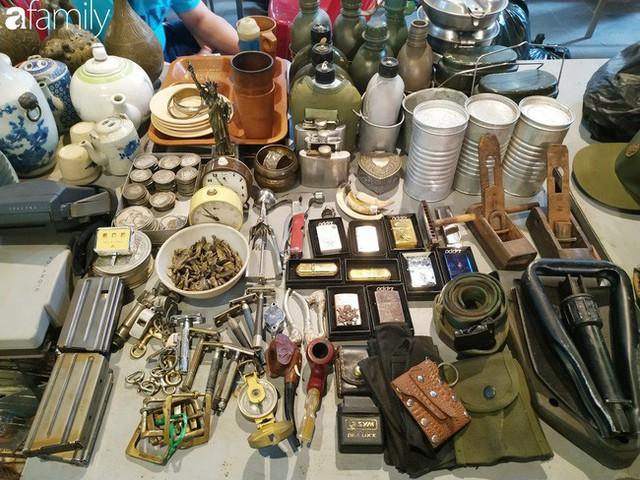 Lạc vào chợ đồ cổ Cao Minh, phiên chợ 1 tuần mở 1 lần - nơi buôn bán hoài niệm và tìm về hồi ức giữa lòng Sài Gòn - Ảnh 9.