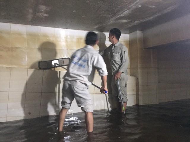 Lý do chết người khi thau rửa bể nước ngầm rất ít người biết - Ảnh 2.