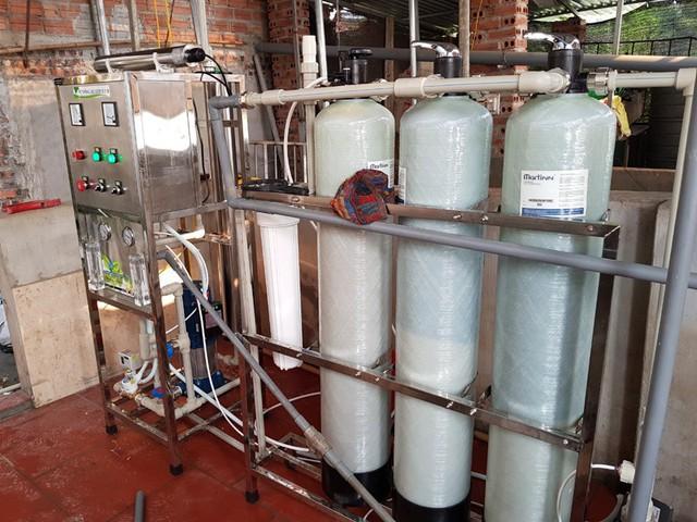 Sau vụ nước sông Đà nhiễm dầu thải: Người dân Thủ đô chi tiền triệu mua máy lọc nước - Ảnh 3.