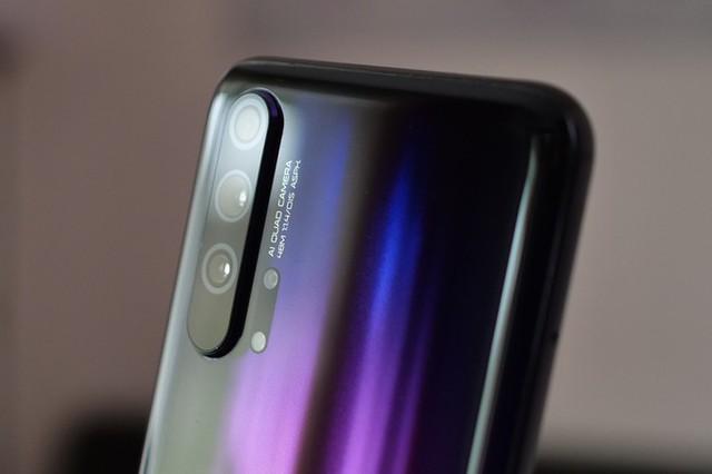 Những smartphone đỉnh không bán tại Việt Nam - Ảnh 5.