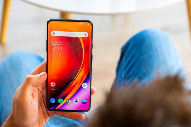 Những smartphone đỉnh không bán tại Việt Nam - Ảnh 1.
