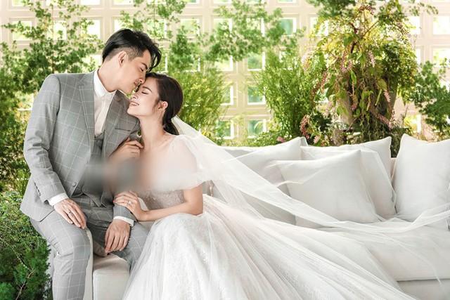Đông Nhi khoe vòng eo con kiến và vẻ ngoài sành điệu trước ngày cưới - Ảnh 11.