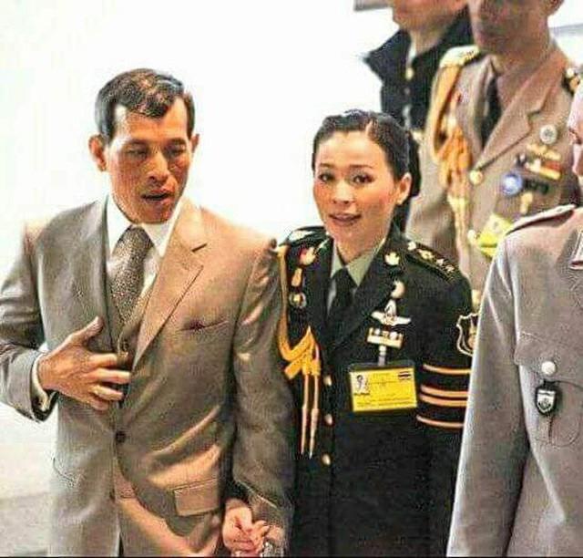 Hoàng hậu và Hoàng quý phi Thái Lan: Xuất phát điểm tương đồng, cùng mục tiêu nhưng người về đỉnh cao, người về vực sâu trong cuộc cung đấu - Ảnh 5.