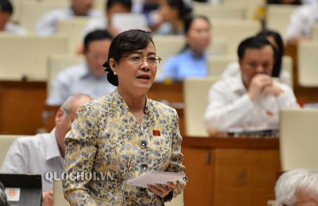ĐBQH Nguyễn Thị Quyết Tâm rớm nước mắt ở nghị trường khi phản biện tăng giờ làm thêm - Ảnh 3.