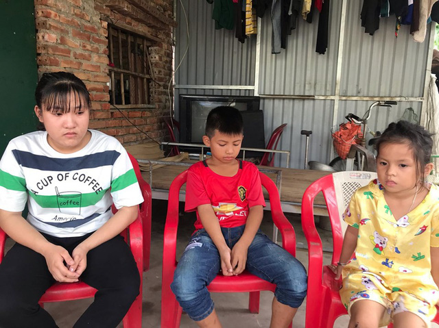 Rớt nước mắt với gia đình chồng liệt giường, 4 cháu nhỏ bệnh tật - Ảnh 1.